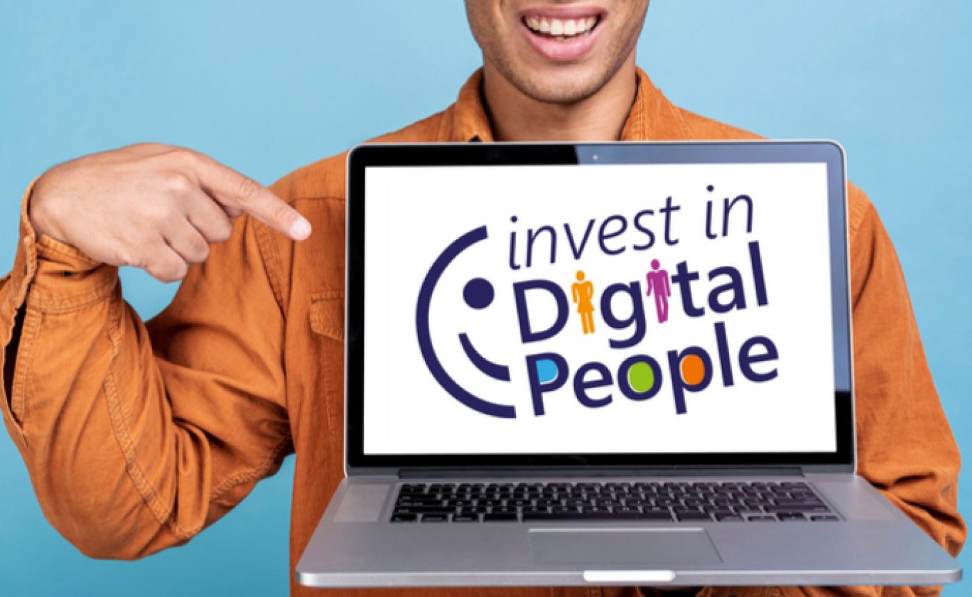 Invest in Digital People : le programme de retour à l'emploi par la filière numérique